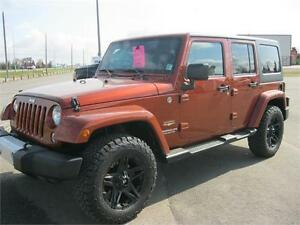 2014 Wrangler Unlimited Sahara!LOW MILEAGE!