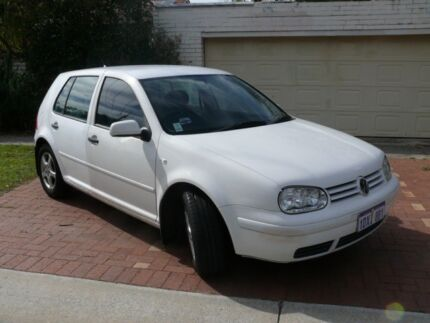 FOR SALE VOLKSWAGEN GOLF 1.6 L 2001 ONE OWNER