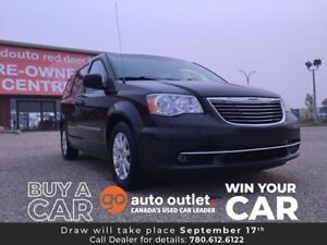 2014 Chrysler Town & Country Touring Power seat, rear A/C, alloy