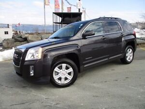 2015 GMC TERRAIN SLE, FRONT DRIVE, MOONROOF, REVERSE CAM, $17980