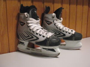 Boys Hockey Skates / Girls Figure Skates