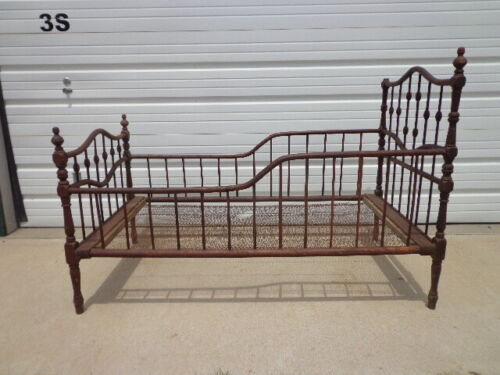 Antique Wood Baby Crib Shabby Chic Daybed Day Bed Settee Loveseat Primitive