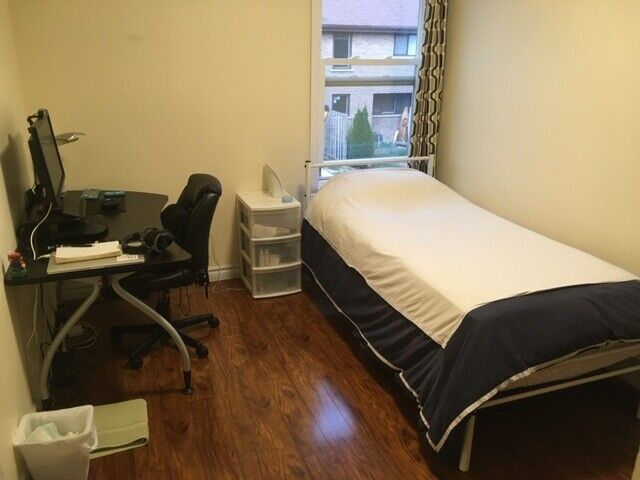 Beautiful bedroom near UTM, Feb 1st | Room Rentals ...