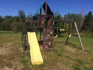 Outdoor Playset in Great Condition