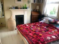 Beautiful Double Room in Lovely 2 Bed Flat Available Short Term