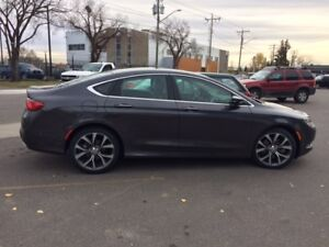 Chrysler 200c, 2016
