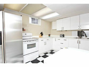 1 Bedroom in basement suite 2 blocks from Mt Royal Uni!!