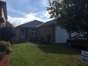 Orillia, Stunning and spacious 2 bedroom lower, utilities incl