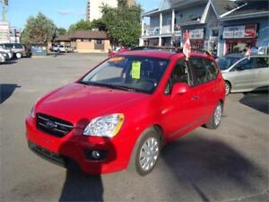 2009 Kia Rondo Loaded 7 Seater !