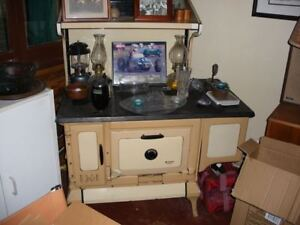 McClary Countess Antique Wood Cook Stove - Good Condition