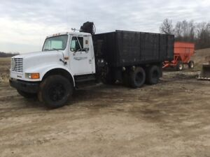 1990 International 40S Flat Deck Truck