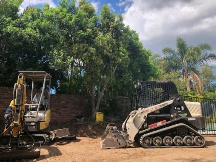 Tight Access Earthworks Brisbane, mini excavator bobcat, tipper