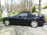 Ideal Summer Ride! Unique1993 25th anniversary Miata Convertible