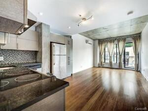 Modern style condo for rent (AVAILABLE IMMEDIATELY)