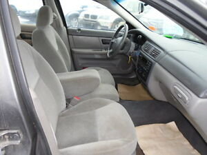2005 Ford Taurus SEL Sedan--EXCELLENT SHAPE IN AND OUT Edmonton Edmonton Area image 10