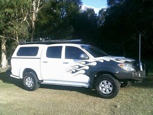2007 Toyota Hilux KUN26R MY07 SR5 White 5 Speed Manual Utility Southport Gold Coast City Preview