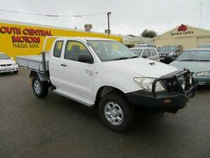 2008 Toyota Hilux KUN26R SR White 5 Speed Manual Extracab Morphett Vale Morphett Vale Area Preview