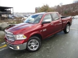 2018 RAM 1500 Laramie 5.7L HEMI V8 (MOONROOF, HEATED/COOLED LEAT
