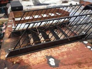 Plusieurs escaliers ou paliers ?? vendre Usagees ?? Ste Rose Laval