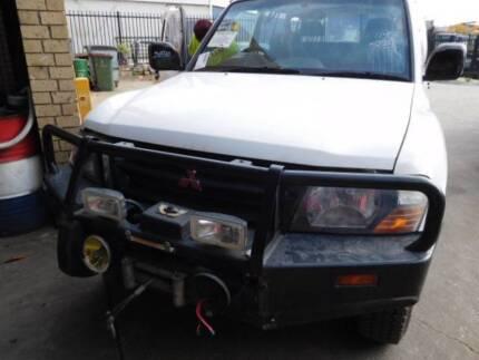 Mitsubishi Pajero NM 02 4M40 MANUAL DIESEL ENGINE.