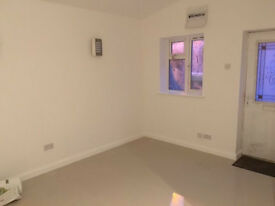 RB ESTATES ARE PLEASED TO OFFER THIS HIGH SPEC STUDIO IN WEST READING, RENT INCLUDES ALL BILLS