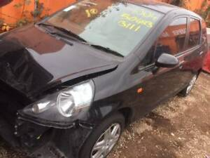 WRECKING A HONDA JAZZ 2008 FOR PARTS