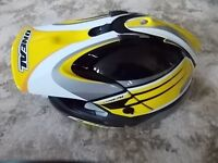 Motocross Helmet Oneal 904 size large 59 to 60 cm very little use only in Practice. Please Text