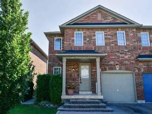 BEAUTIFUL SEMI-DETACHED HOUSE FOR SALE IN BRAMPTON