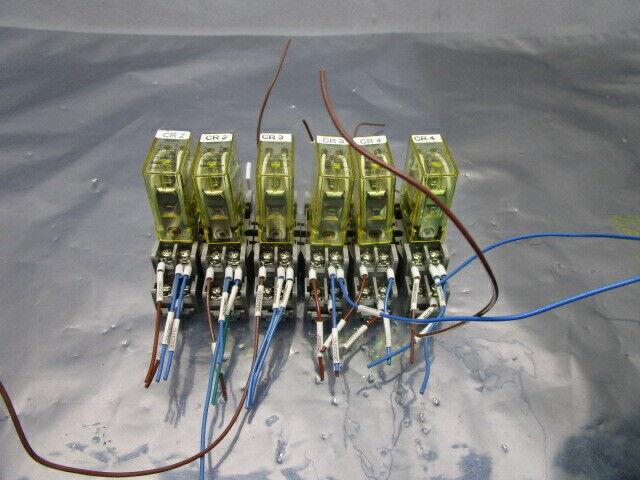 1 Lot of 6 Idec DC24V Relay w/ SY2S-05 Base, 101117