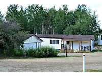 Amazing Home in Drayton Valley (8 Birchwood Village Greens)