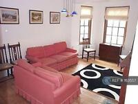 3 bedroom flat in Kennington Oval, London, SE11 (3 bed)