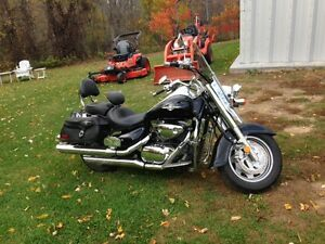 08 Suzuki Boulevard C90 with trailer