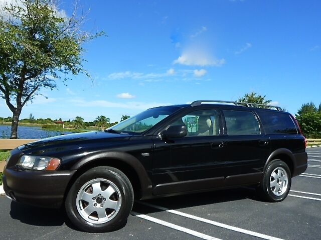 03 Volvo V70 XC CrossCountry! Warranty! Booster Seats! XC70! Moonroof! GORGEOUS!