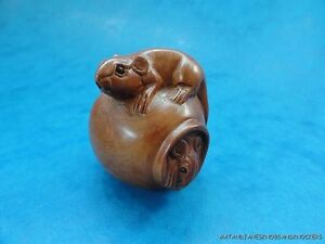 BEAUTIFUL HAND CARVED WOODEN BOXWOOD NETSUKE MICE IN A JAR SIGNED B53