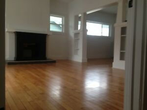 2 Floor- 5 Bedroom House for SEPT 1ST- Everything INCL.-DAL