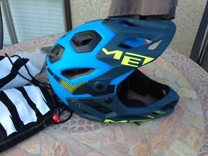 Men's large Full-face bicycle helmet for sale