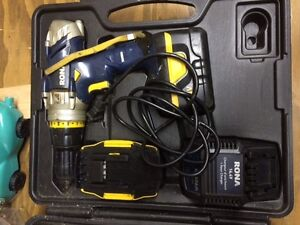 Rona cordless drill (with 2 batteries)