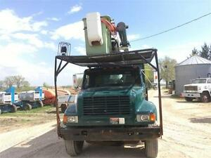 1991 International 4900 Bucket And Dump Box Truck