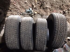 pneu d'hiver bridgetone blizzak 185/65/15