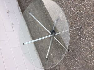 MODERN ROUND GLASS TABLE ONLY $150!!!