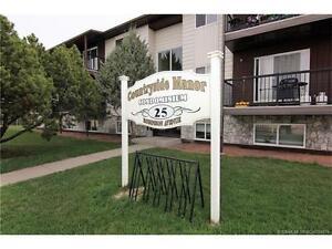 CONDO FOR SALE IN PENHOLD: 25 Robinson Avenue Unit 204