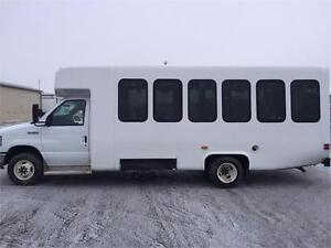 2013 DIAMOND COACH VIP2500 SHUTTLE BUS