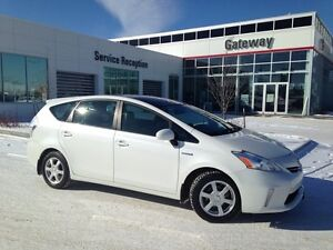 2012 Toyota PRIUS V Luxury Pkg Wagon, Leather Heated, Back up Ca