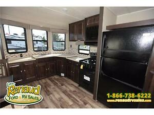 NEW 2016 Palomino Puma 39 PFK Park Model Windsor Region Ontario image 11