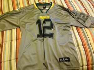 Aaron Rodgers - Grey Jersey - Football - Greenbay Packers - NFL