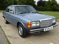 MERCEDES-BENZ W123 200 AUTO SALOON 1985. Excellent condition. MoT to August 2017