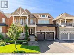 9 Dairy Ave Richmond Hill Ontario Great house for sale!