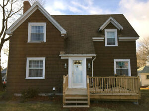 RENOVATED 3 BEDROOM SINGLE FAMILY - UTILITIES INCLUDED - WEST