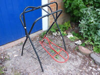 Free standing saddle rack and also wall hanging saddle rack