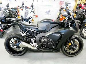 2016 Honda CBR1000RR - Huge Savings on this Demo Beauty!